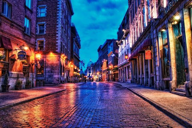 Rua de Vieux-Montréal à noite