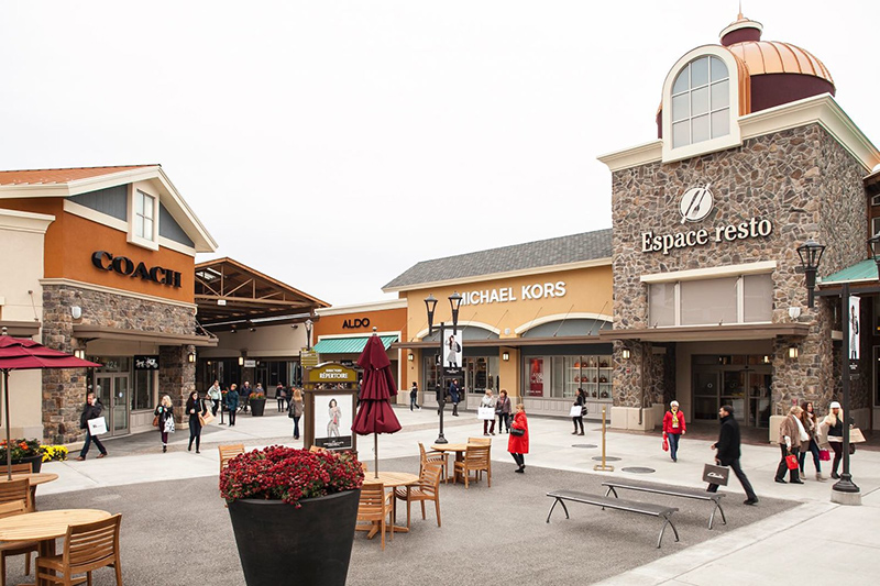 Premium Outlets Montreal no Canadá