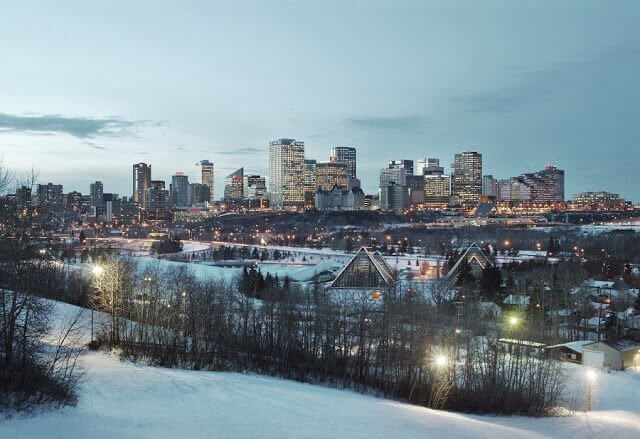 Como ir do Aeroporto Internacional de Edmonton até o centro da cidade