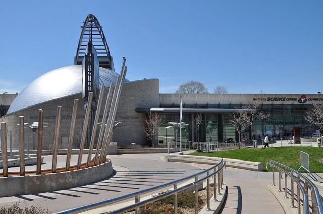 Entrada do Ontario Science Centre