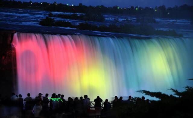 O que fazer de noite em Niagara Falls