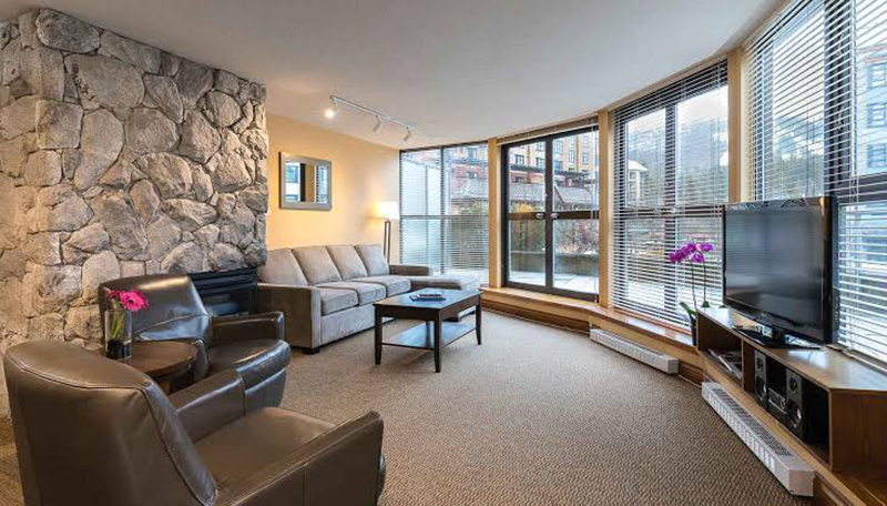 Hotel The Crystal Lodge and Suites em Whistler