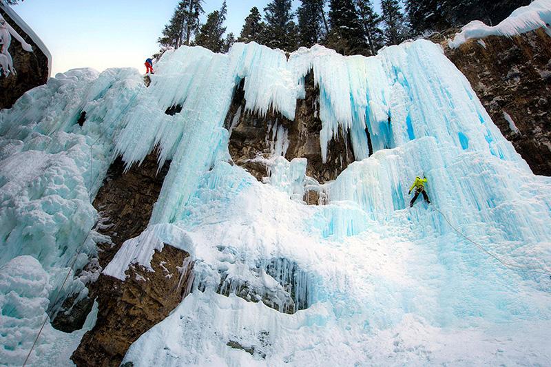 Johnston Canyon Icewalk em Banff