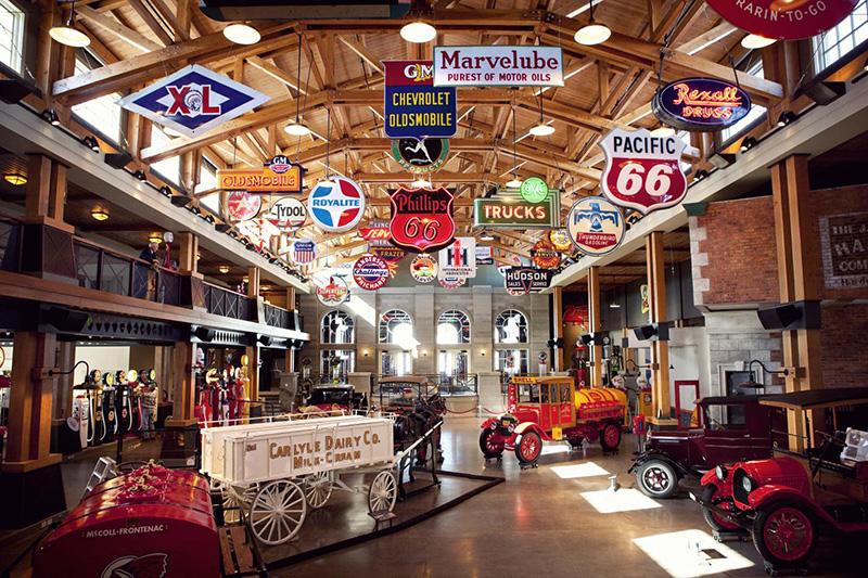 Interior do Museu da Gasolina em Calgary