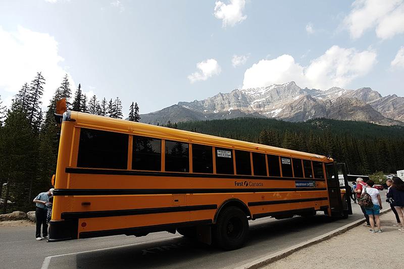 Estrutura do ônibus no Parque Nacional em Banff