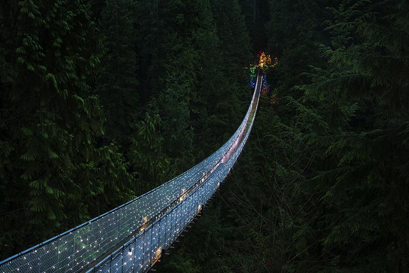 Noite na Ponte Capilano em Vancouver