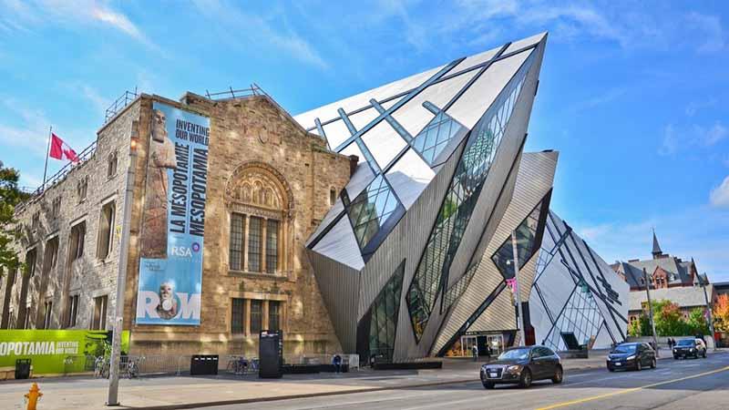 Fachada do Museu Real de Ontário