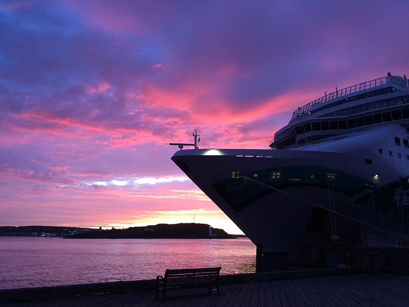 Anoitecer no cruzeiro com jantar no Porto de Halifax
