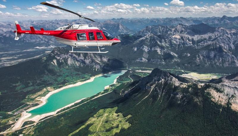 Cenário do passeio de helicóptero em Jasper