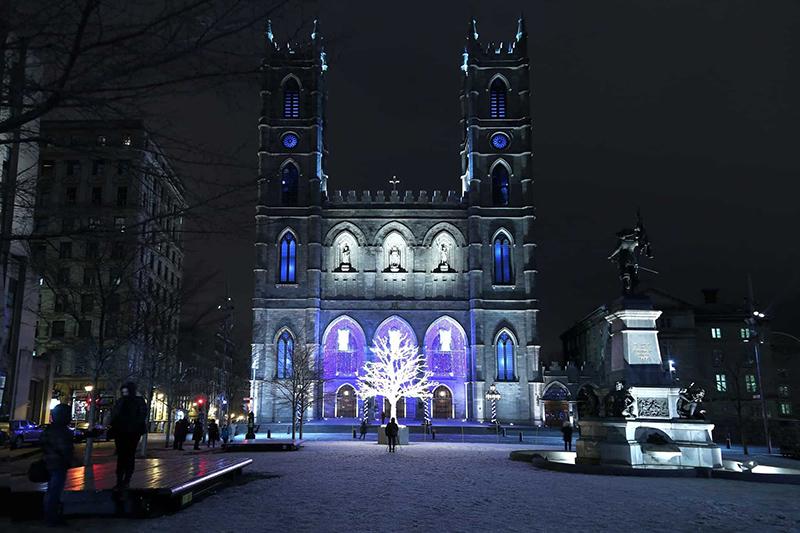 Pontos turísticos com decoração de Natal em Montreal