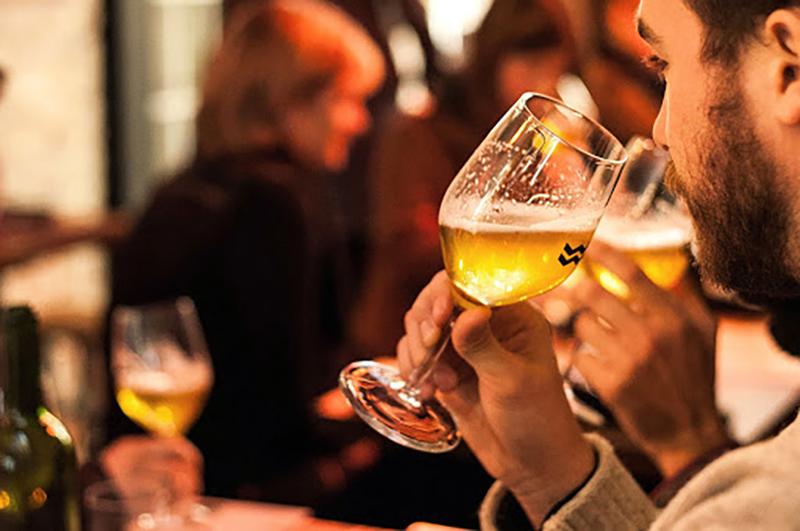 Grupo da excursão por cervejarias em Montreal