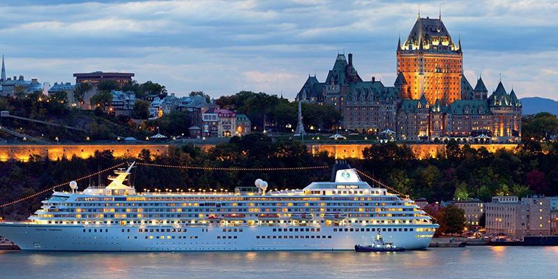 Anoitecer no Cruzeiro turístico em Quebec