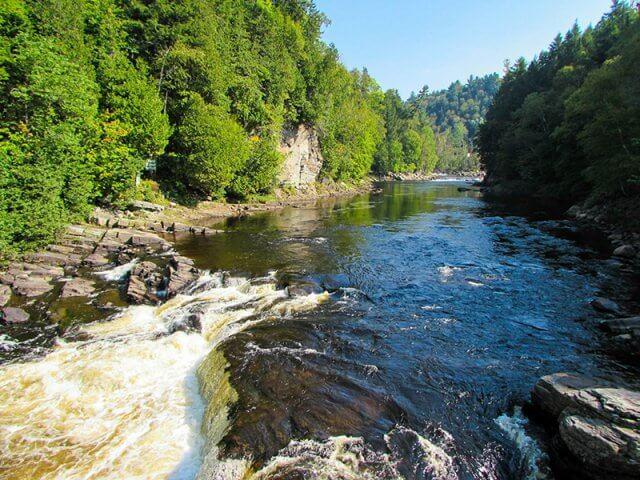 Parque Canyon Sainte-Anne em Quebec
