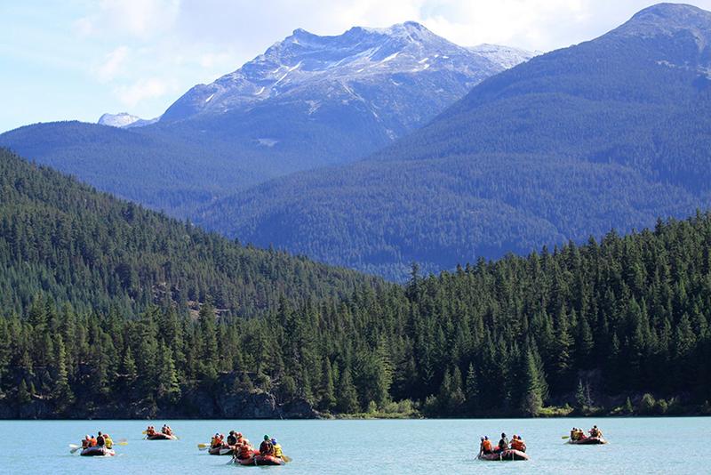 Cenário no passeio de rafting em Vancouver